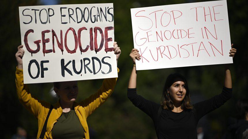 Paris suspend les exportations vers la Turquie de matériels de guerre dans le cadre de l'offensive