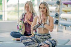 Instructeur de yoga, un métier tendance