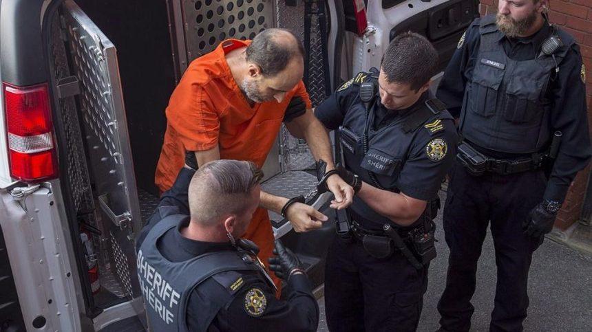 Matthew Raymond jugé inapte à subir un procès pour quatre meurtres à Fredericton