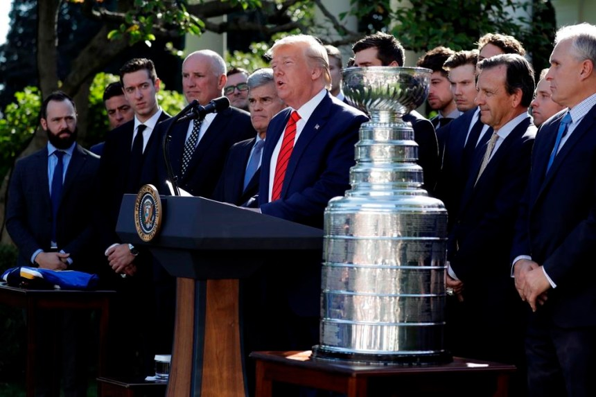 Les joueurs des Blues ont rendu visite à Donald Trump et à la Maison-Blanche