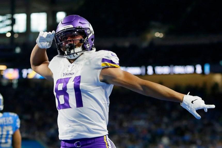 Cousins lance quatre passes de touché et les Vikings battent les Lions 42-30