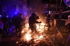 Les indépendantistes catalans poursuivent leur mobilisation après de nouvelles violences