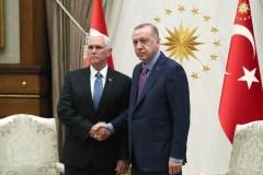 La Turquie annonce la suspension de son offensive en Syrie