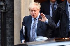 À J-9, Boris Johnson suspend l'examen de l'accord du Brexit