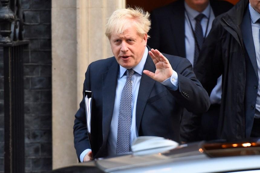 À J-9, Boris Johnson suspend l'examen de l'accord du Brexit