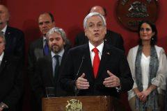 Chili: en pleine crise sociale, un tiers des ministres remplacés