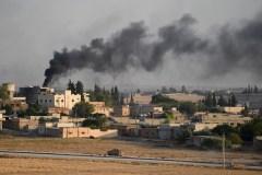 Syrie: fuite d'environ 800 proches de l'EI selon les Kurdes