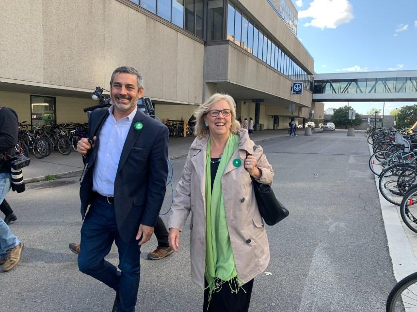 Les Verts font campagne pour la ligne jaune à Longueuil