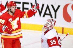 Giordano poursuit sur sa lancée fructueuse et mène les Flames à un gain de 5-1