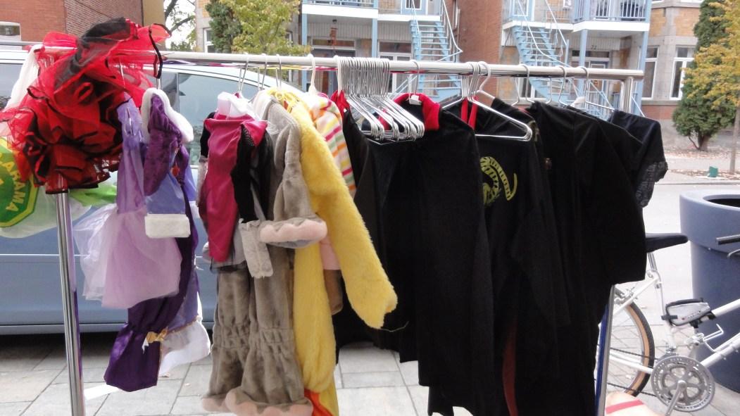 Troque costumes Halloween