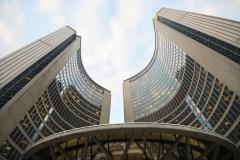 Toronto veut que le fédéral s'oppose à la Loi sur la laïcité
