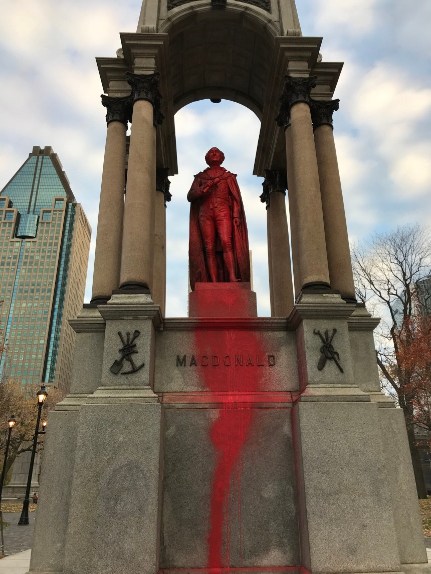 Monuments controversés: Culture Montréal en quête de solutions