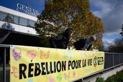 Extinction Rebellion manifeste à l'aéroport de Genève contre les jets privés
