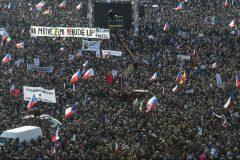 Manifestation de 250 000 personnes à Prague pour demander le départ du Premier ministre