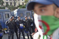 Algérie: affrontements entre police et manifestants lors d'un rassemblement électoral
