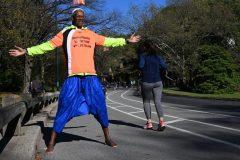 Un marathon par semaine pieds nus: le régime atypique de Sidy Diallo