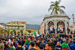 Algérie: 80 manifestants arrêtés lors d'une marche nocturne