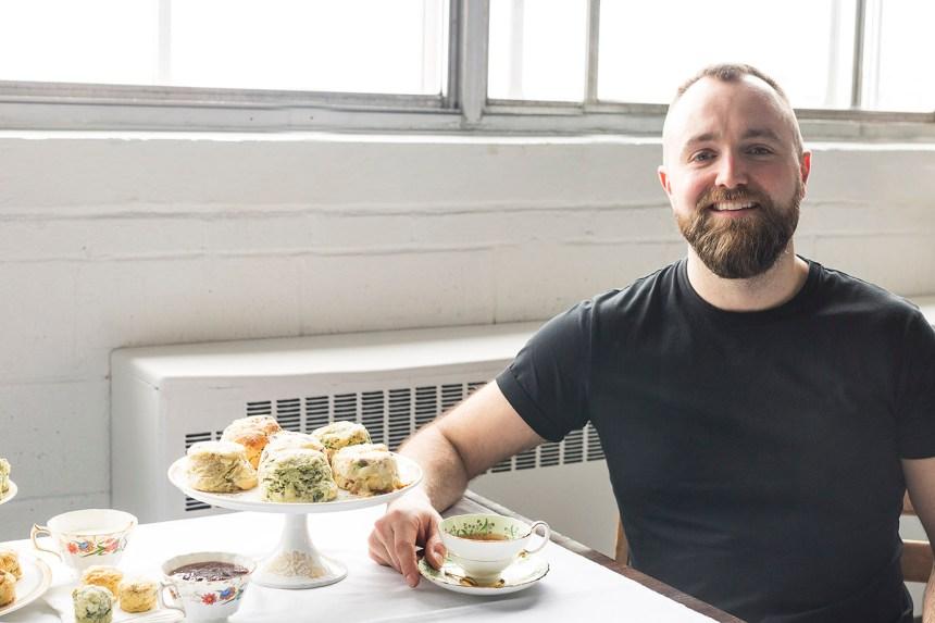 Un entrepreneur fait sonner l'heure du thé