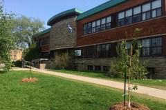 Bulletins stables pour deux écoles secondaires de Saint-Laurent