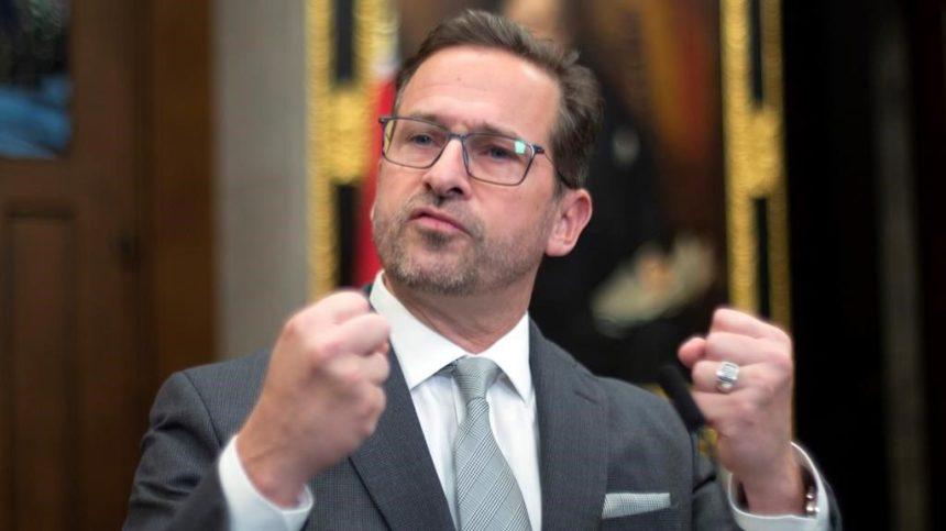 Nouveau cabinet Trudeau critiqué par conservateurs, bloquistes et néo-démocrates