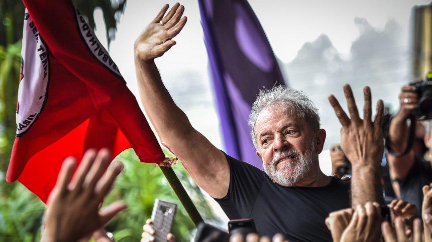 Brésil: Lula «de retour» pour prendre les rênes de l'opposition
