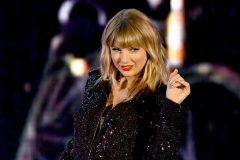 Nouvel album surprise à minuit pour Taylor Swift