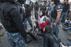 Blocages au Liban: les manifestants maintiennent la pression