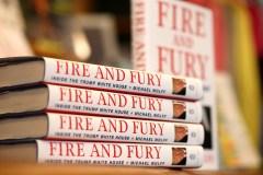 Aux États-Unis, un mystérieux lecteur cache les livres critiquant Trump