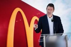 McDonald's licencie son patron pour avoir entretenu une relation avec un membre du personnel