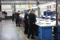 Aérospatiale: visite de la plus grande usine-école au pays