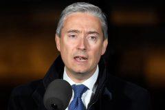 Le ministre Champagne des Affaires étrangères parle à son homologue chinois