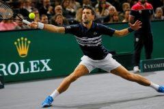 Shapovalov profite de l'abandon de Nadal et passe en finale du Masters de Paris