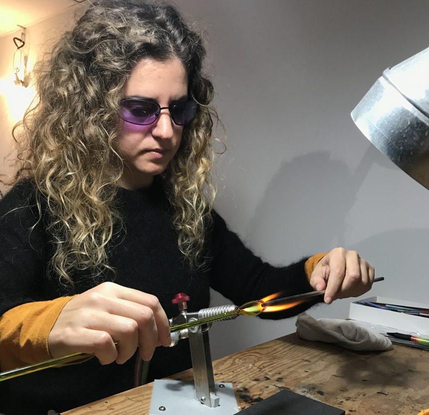 Artisane du verre et du textile