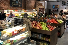Le marché de quartier qui sait nourrir et sourire à sa clientèle