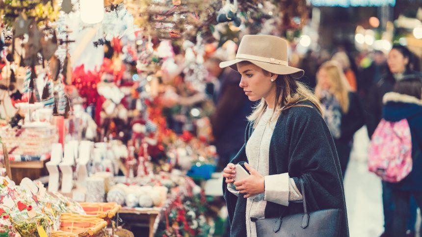 Magasinage responsable au marché de Noël du Collectif Créatif Etsy MTL