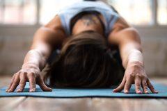 Le yoga serait bénéfique pour les douleurs de dos et les troubles du sommeil