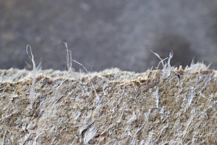 BAPE: la commission d'enquête sur l'amiante s'amorcera dès décembre à Asbestos