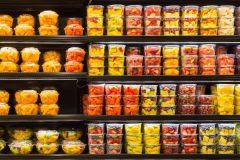 Royaume-Uni: toujours plus de plastique dans les supermarchés