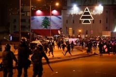 Le Liban manifeste à nouveau après des heurts avec la police
