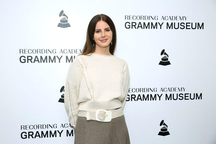 Lana Del Rey annonce un nouvel album de poésie
