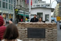 Berlin: le site de Checkpoint Charlie accueillera un musée et des logements