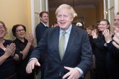 Boris Johnson réélu avec 364 sièges à la Chambre des communes