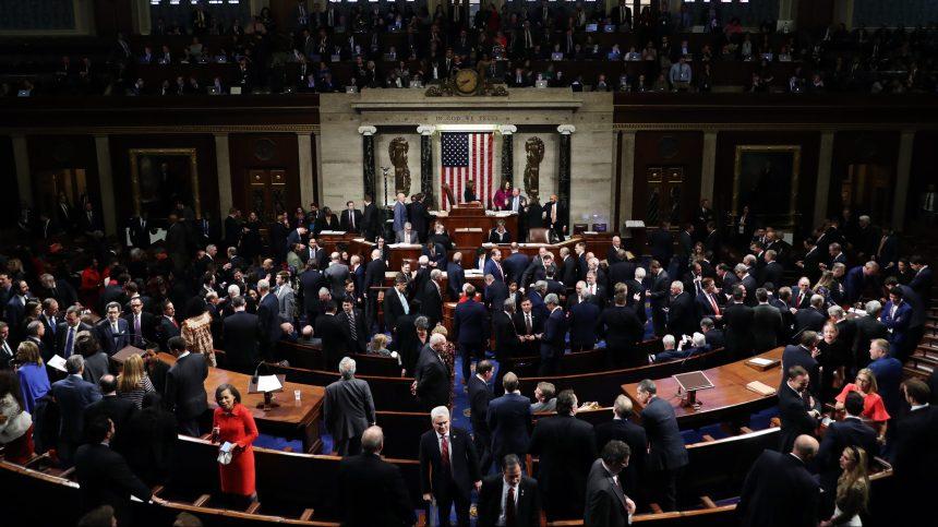 Vote au Congrès: Mis en accusation, Trump assure qu'il n'a «rien fait de mal»