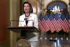 Destitution de Trump: Nancy Pelosi demande la rédaction de l'acte d'accusation