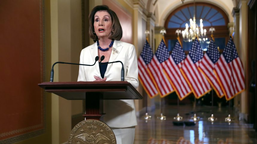 Destitution de Trump: Nancy Pelosi demande la rédaction de l'acte d'accusation