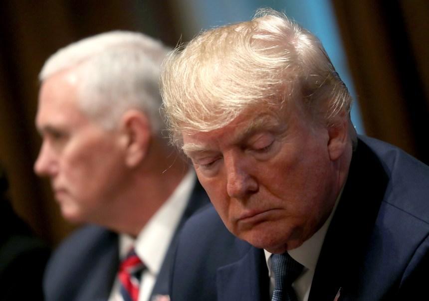 Destitution de Trump: deux chefs d'accusation retenus par les démocrates