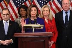 Les démocrates révèlent deux chefs d'accusation contre Trump
