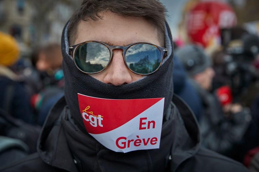 Le ton monte en France au 11e jour de grève contre la réforme des retraites