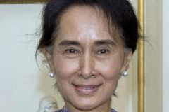 «Actes génocidaires»: Suu Kyi défendra la Birmanie devant la CIJ