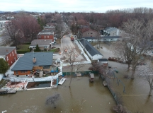 Photo aérienne de la digue sur les rues Cousineau et Cuvier à Cartierville